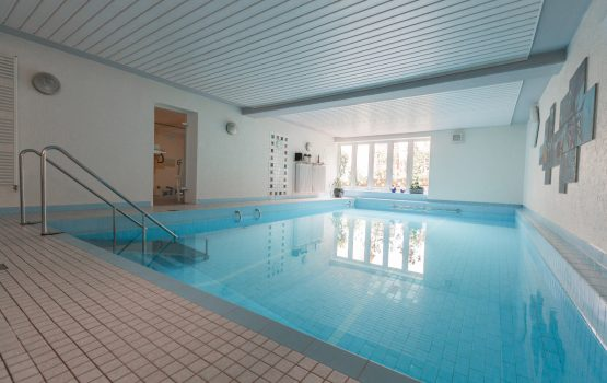 Schwimmbad_300
